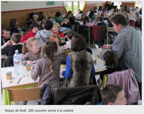 LE TÉLÉGRAMME - 20/12/2012 -Repas de Noël. 260 couverts servis à la cantine