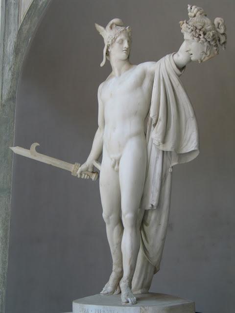 l'atmosphère où baignent les très belles œuvres d'art............Auguste Rodin