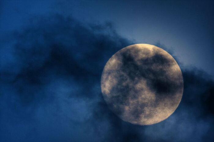 Explications Sur La Lune Bleue  (Astronomie)