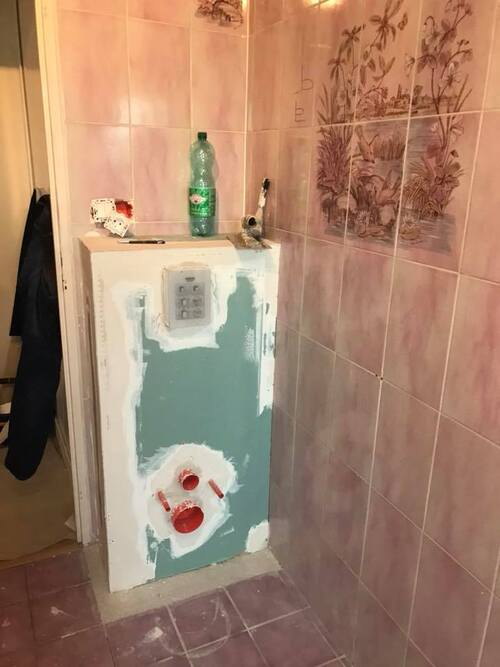 Rénovation d'une salle de bains faïencée