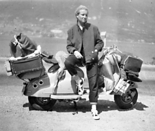 Carte postale de vacances en scooter