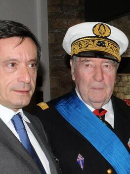 * le vice-amiral François Flohic, aide de camp du général de Gaulle, est décédé