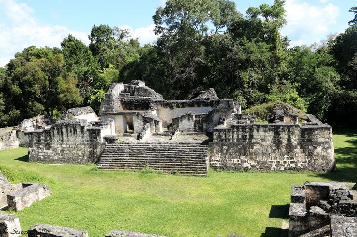 Acropole centrale, Tikal