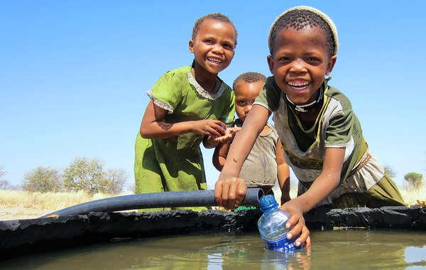 Les Bushmen célèbrent la Journée mondiale de l'eau