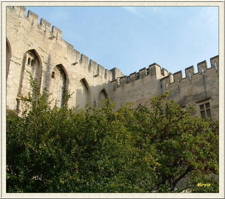 Pourquoi à Avignon ?