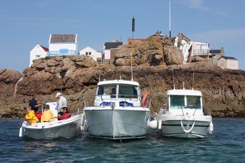 Balade aux ECREHOU, 12 bateaux partants, décision vendredi 14 août à 18 heures 30!