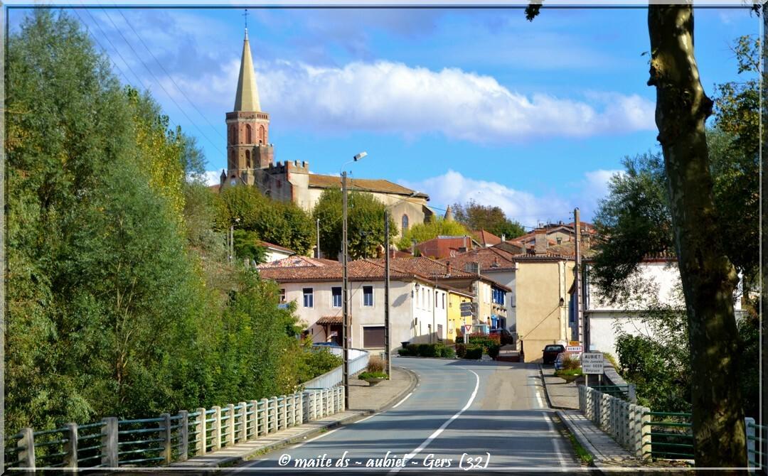 Aubiet - Villes et villages du Gers - 32 (1)