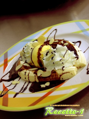 SORBET A LA BANANE, SAUCE CHOCOLAT