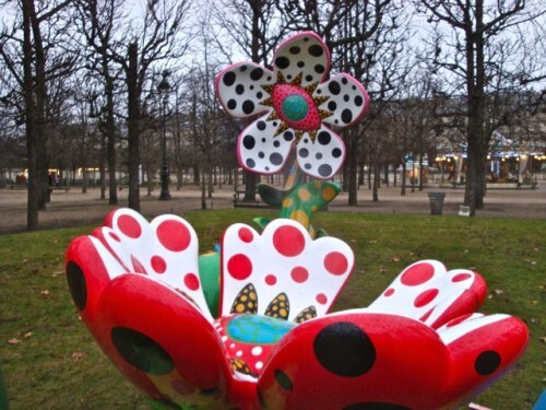 Kusama flowers midnight Tuileries 9