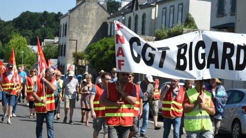 Une quarantaine de personnes a manifesté ce jeudi matin à Quimperlé contre la...