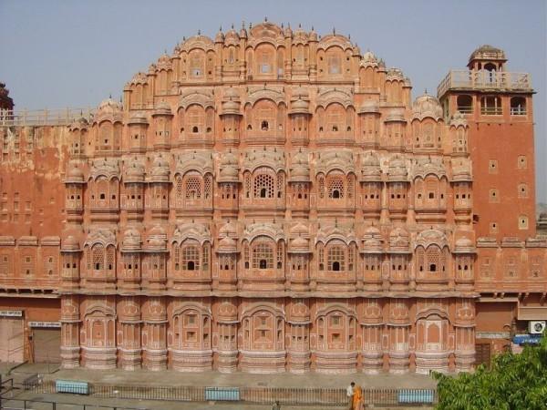 800px-Hawa Mahal Jaipur