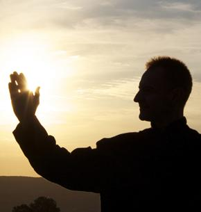 http://ekladata.com/VgAcPJEW4_C4PFexep7JskzziKw/pretre-et-la-lumiere-celeste.jpg