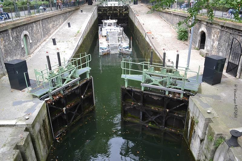 Petit nettoyage du Canal Saint-Martin