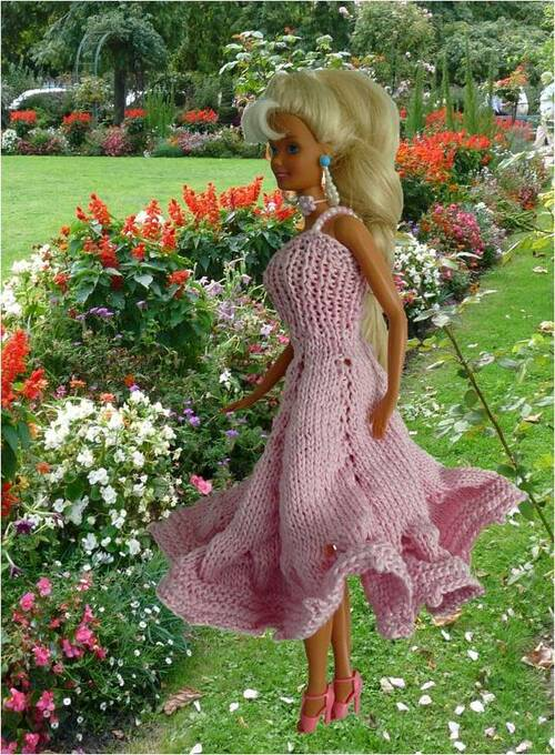 Barbie: modèle robe rose tricot