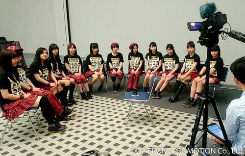 Morning Musume。 '16 interviewé par New School Kaidan à Houston