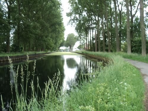 * Le Canal de l'Espierres