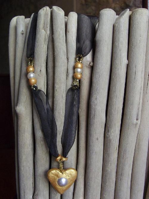 Bijoux en pate couleur OR