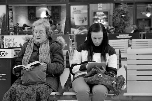 08 - Femmes lisant- Photographies n/b suite