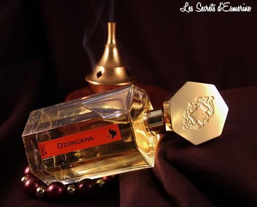 Et si nous partions en voyage ? Dzongkha de l'Artisan Parfumeur… les secrets d'esmerine