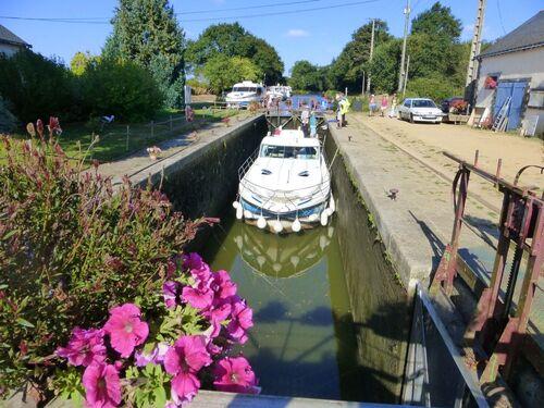 jeudi - le canal de Nantes à Brest