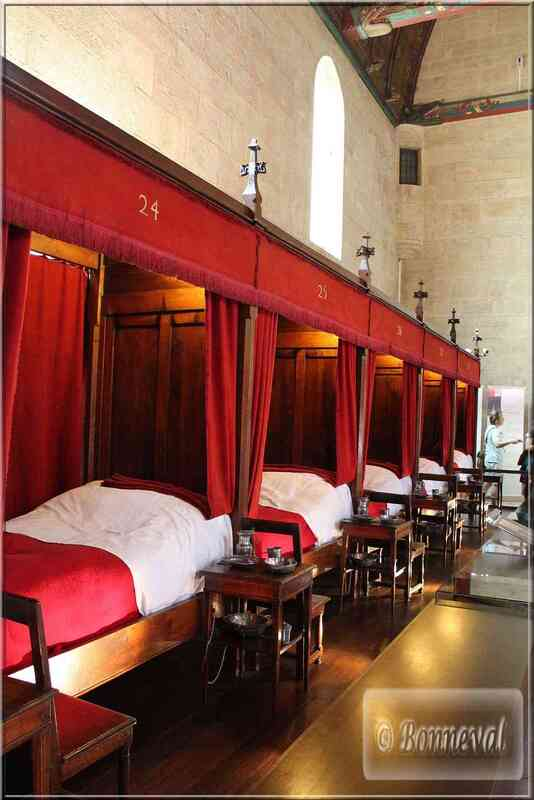 """Bourgogne Les Hospices de Beaune La Grande Salle des """"Pôvres"""""""