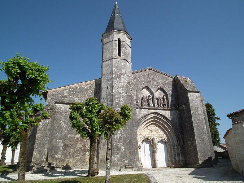 Eglise de Grézac (2).JPG