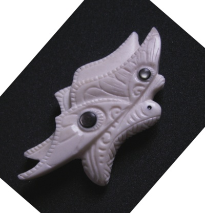 Blog de usulebis :Usulebis ,Artisan créateur de bijoux polynésiens , contact : usulebis@hotmail.fr, pendentif papillon