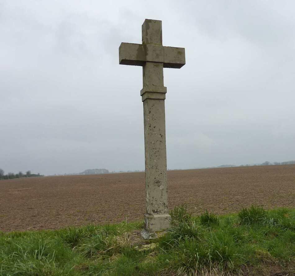 Les croix pattées du Vexin.
