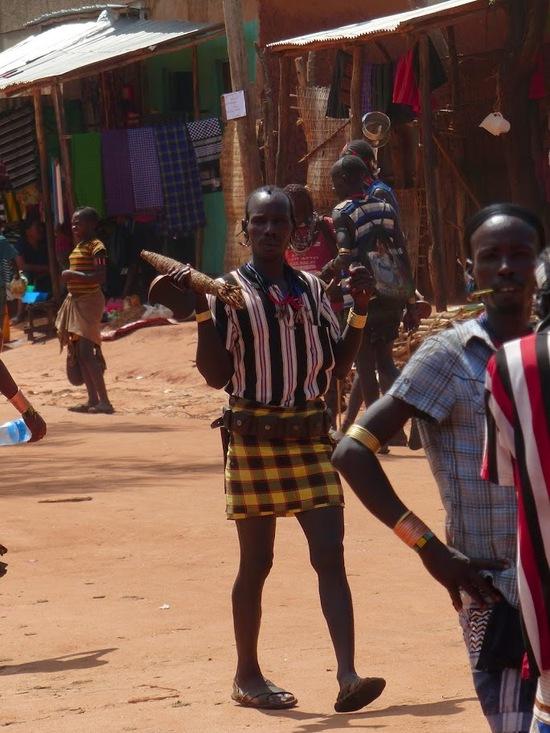 le marché bi-hebdomadaire de Dimeka dans le S.O. de l'Ethiopie