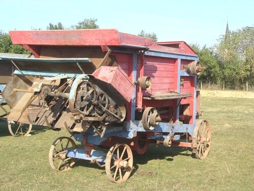 La fête des tracteurs à Bissey la Pierre