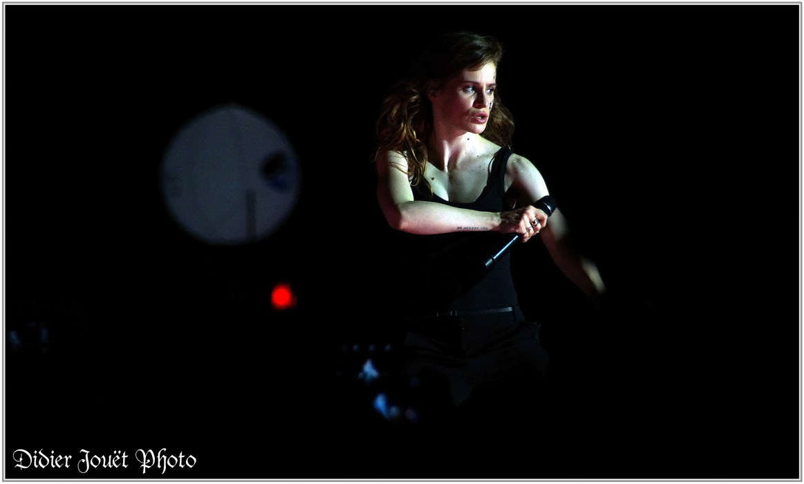 Christine and the Queens / Vieilles Charrues 2015