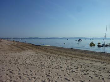 La plage de la Badine est encore presque déserte