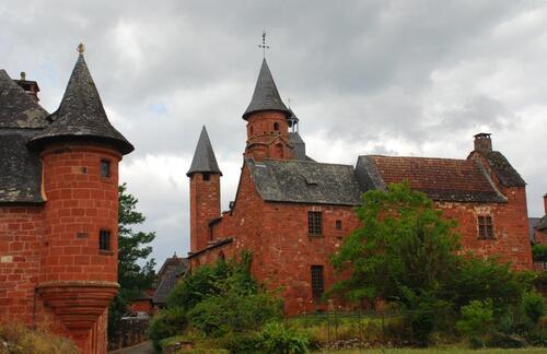 Eglise St Pierre et Échauguette du Castel de Cassinhac