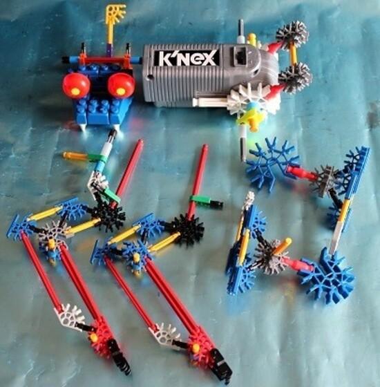 Robo-Smash-K-Nex-8.JPG