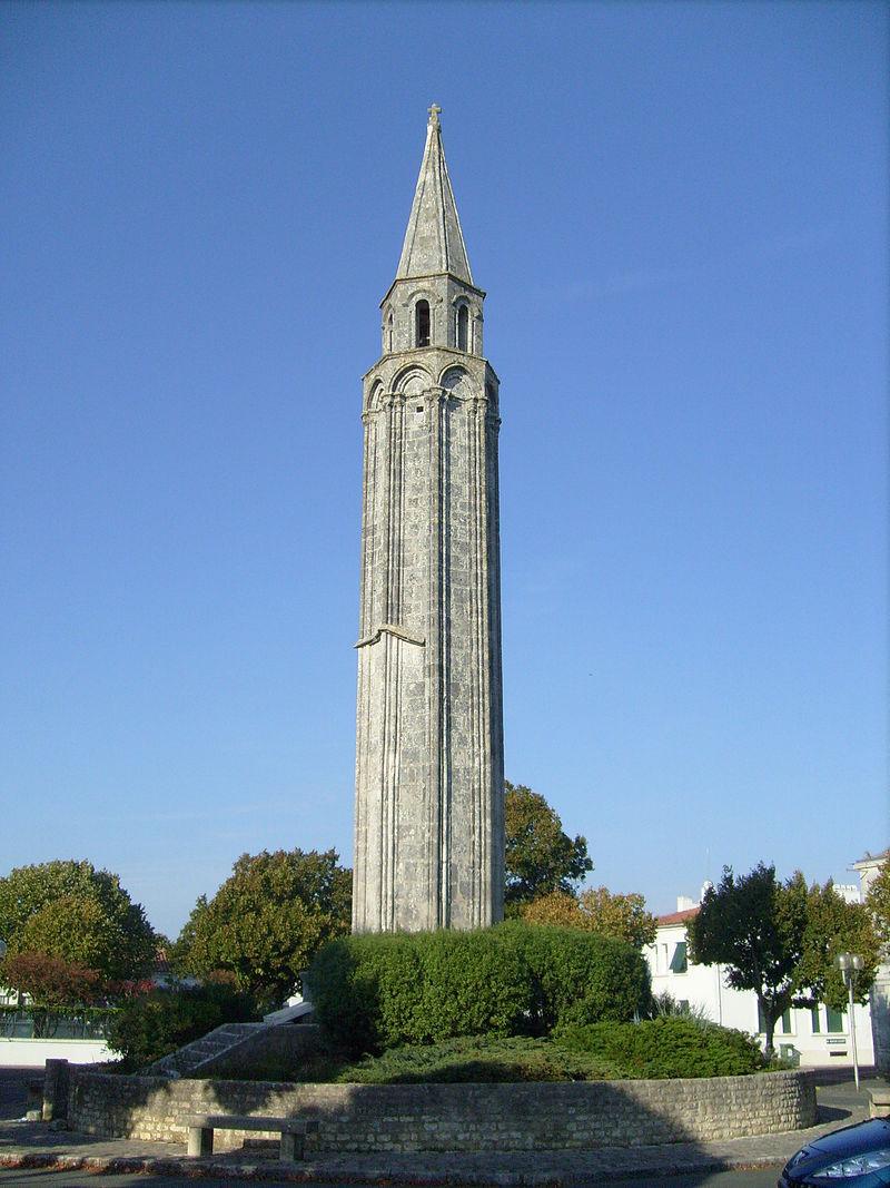 Lanterne des Morts de St Pierre Oléron.jpg