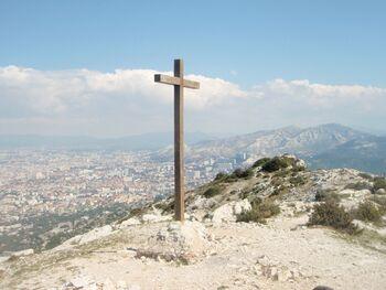 La croix du sommet de Marseilleveyre