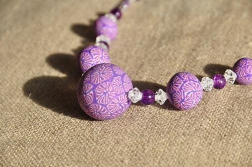 Un collier facile à porter... le zoom