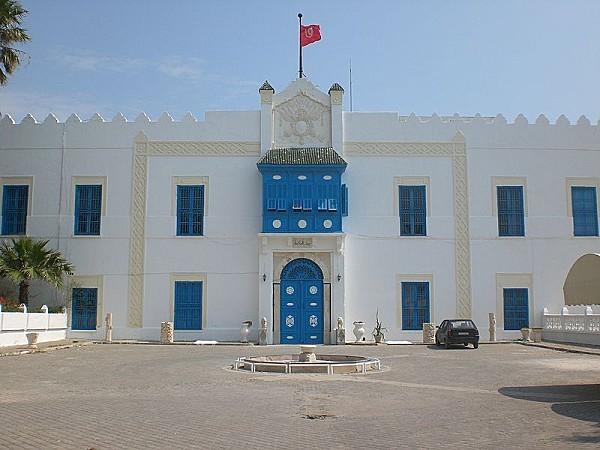 800px-Beit Hikma Tunis
