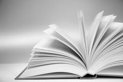 C'est lundi 12 Mai que lisez-vous ?