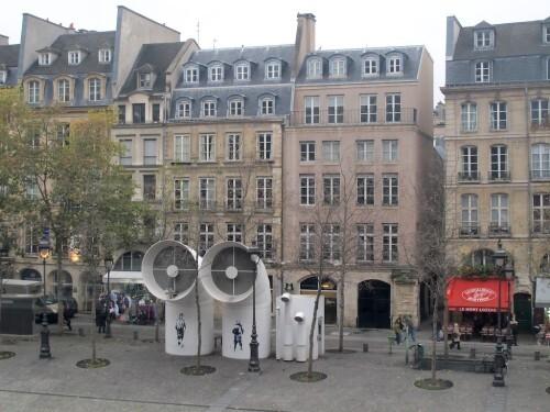 Beaubourg street-art papier bonhomme 3