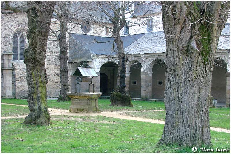 Cloitre St Melaine