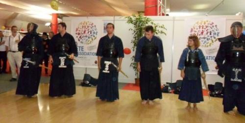 Salut avant démonstration de Kendo