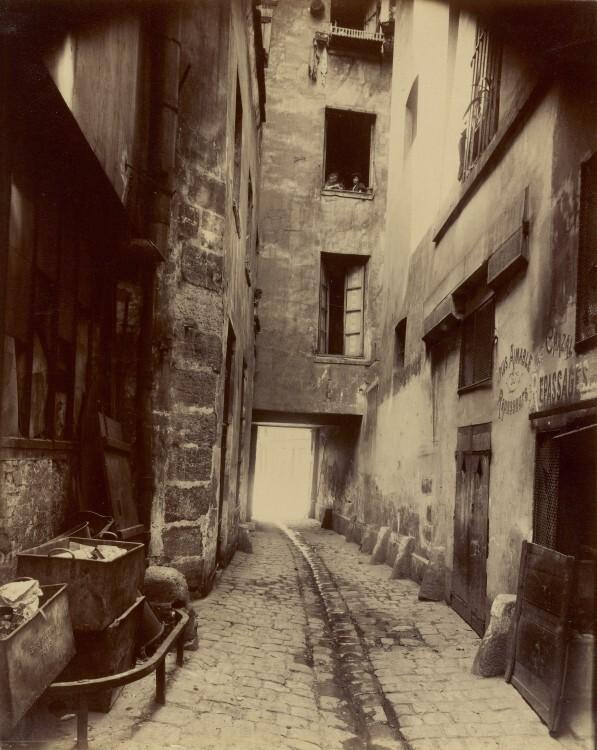 Atget Paris Coin rue de Seine 597x750 Le Paris de 1900 par Atget