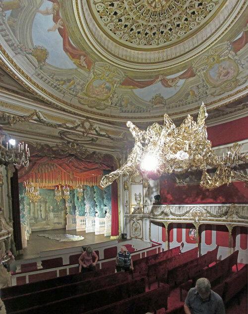 La bijou du château : le théâtre