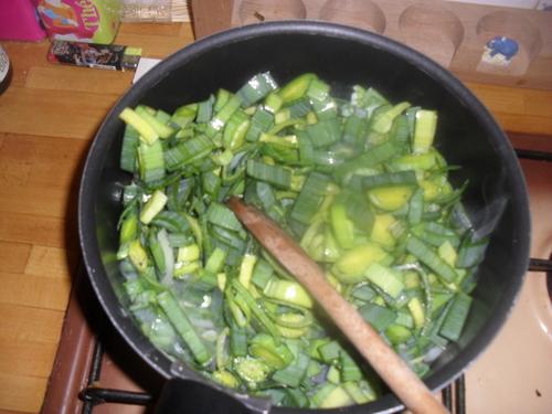 Il faut bien équilibrer la journée, une petite soupe poireaux/pomme de terre pour ce soir