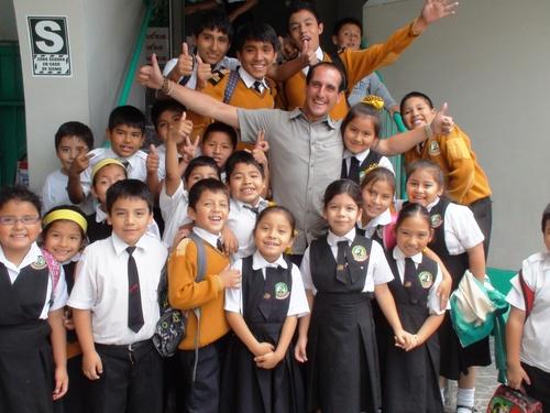 Visite et visioconférence au colegio Paco Yunque de Lima (Pérou)