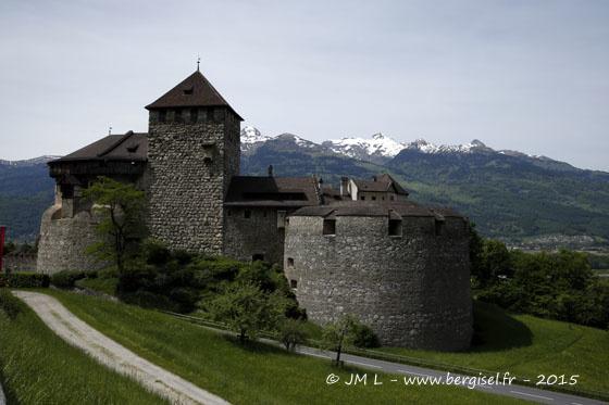 Cela commence comme ça ! ... Le château forteresse de Vaduz