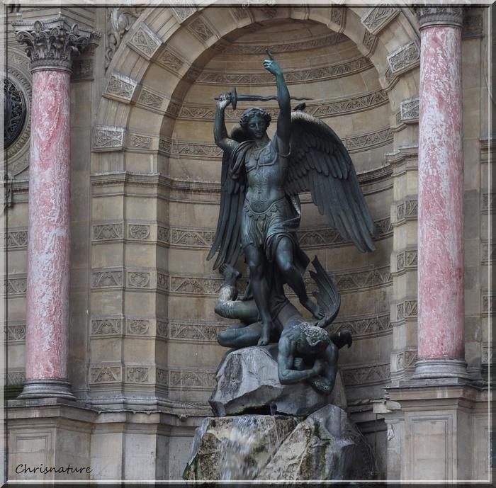 Statue place Saint-Michel