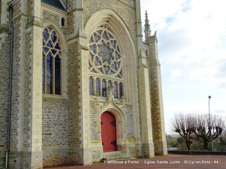 St Cyr en Retz - Eglise St Cyr et Ste Julitte