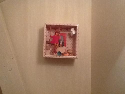 Un tableau rose dans la chambre de la boulette...sans flinguer sa déco...c'est possible!!!